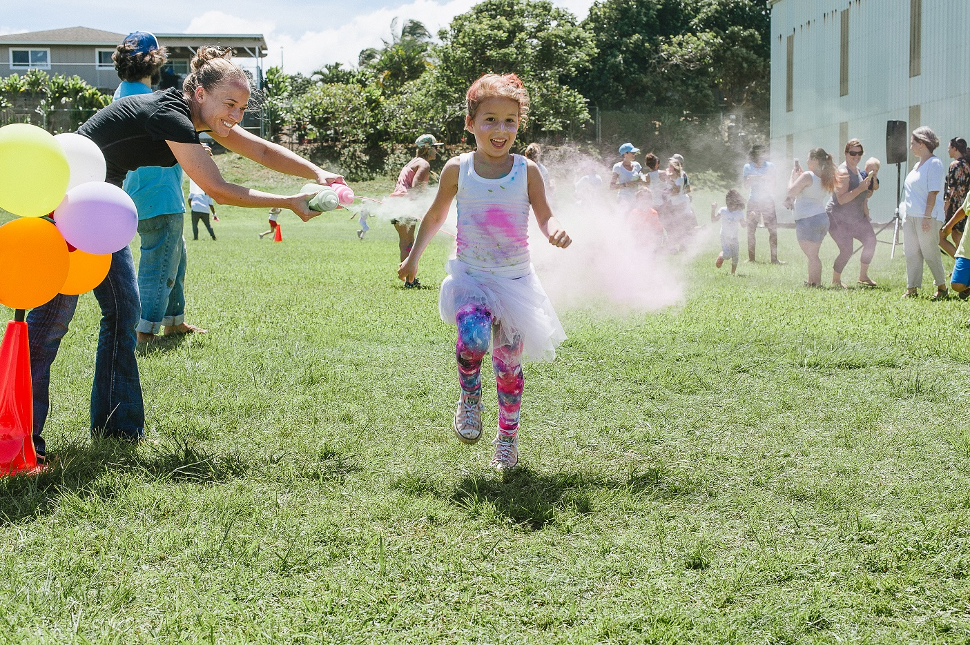 Haʻikū Elementary School on Maui, a two-time winner that received $2,500 for its participation in the Fall 2015 and Spring 2016 challenges, used its funds to hold a community Wellness Day with a color run, dancing, yoga, smoothie making and more.