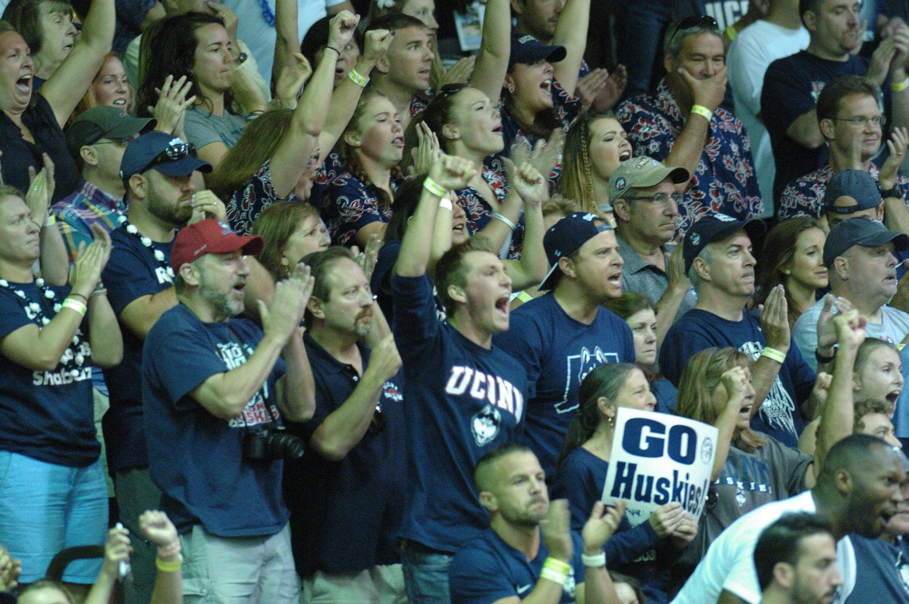 UConn Huskies fans. PC: Joel B. Tamayo