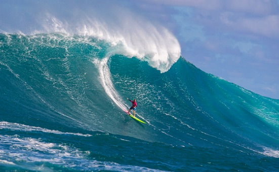 Maui's Paige Alms makes history Friday, claiming the first Pe'ahi Challenge women's title. Photo source WSL.