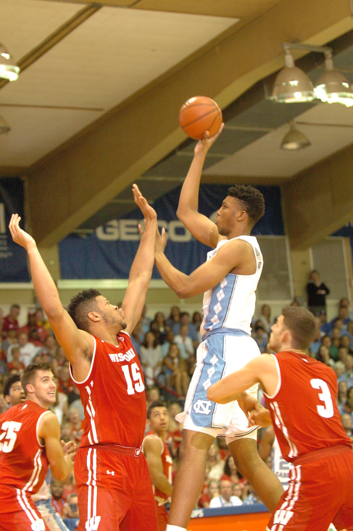 UNC #5 Tony Bradley. Championship game between UW vs UNC at the 2016 Maui Jim Maui Invitational. PC: Joel B. Tamayo.