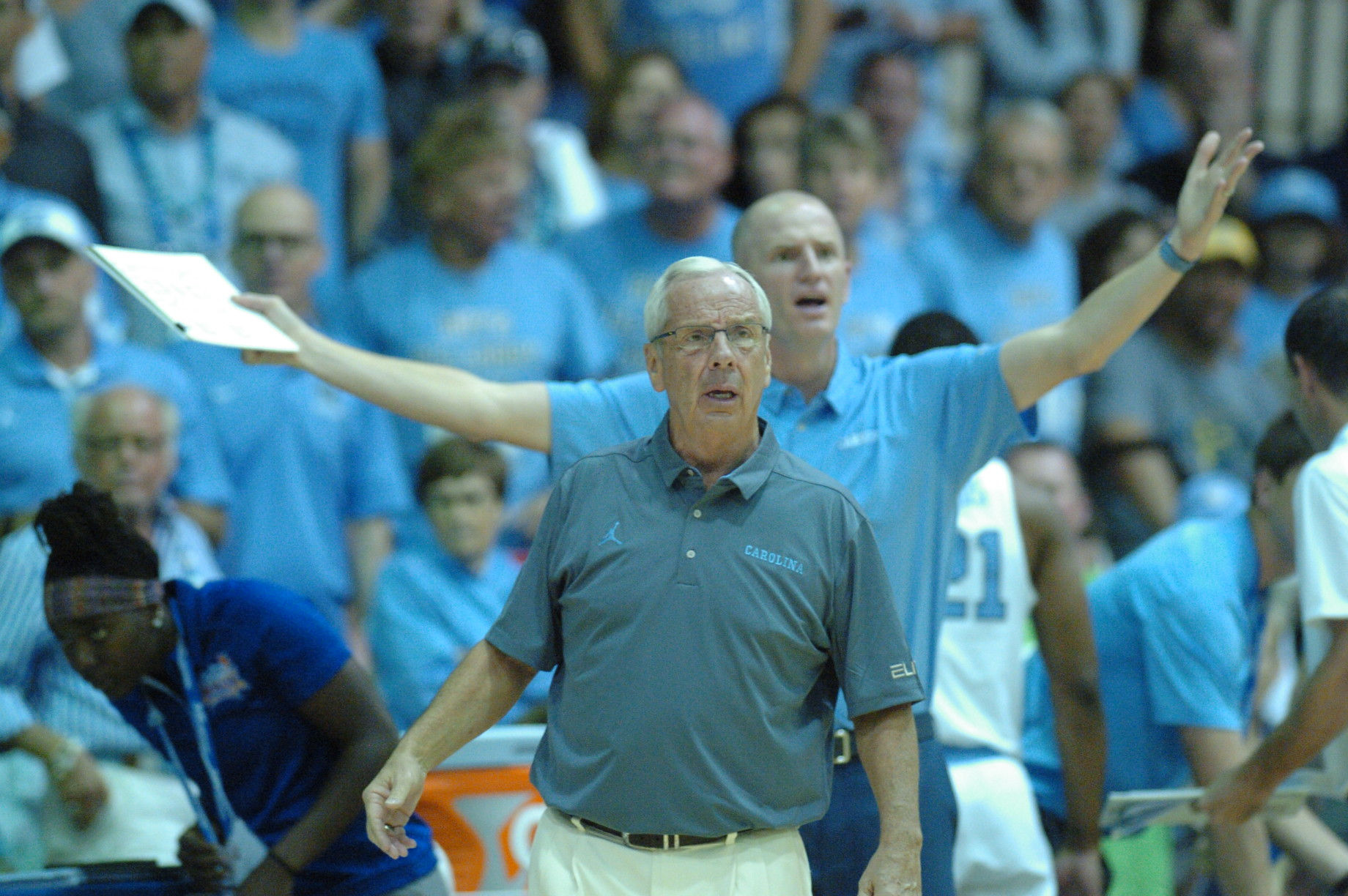 UNC Head Coach Roy Williams. Championship game between UW vs UNC at the 2016 Maui Jim Maui Invitational. PC: Joel B. Tamayo.