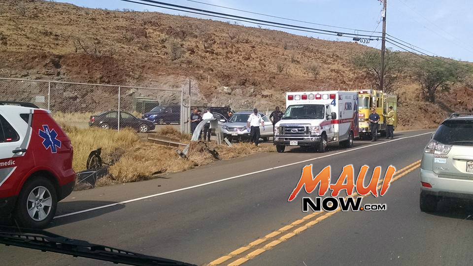 Vehicle accident, Honoapiʻilani Hwy, 2:07 p.m. 11.23.16. PC: Casey Morondos