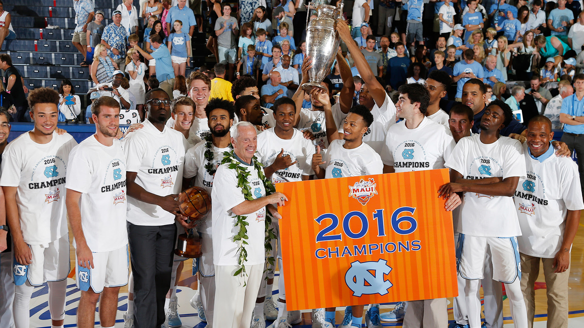 2016 Maui Jim Maui Invitational Champions. PC: Maui Invitational.