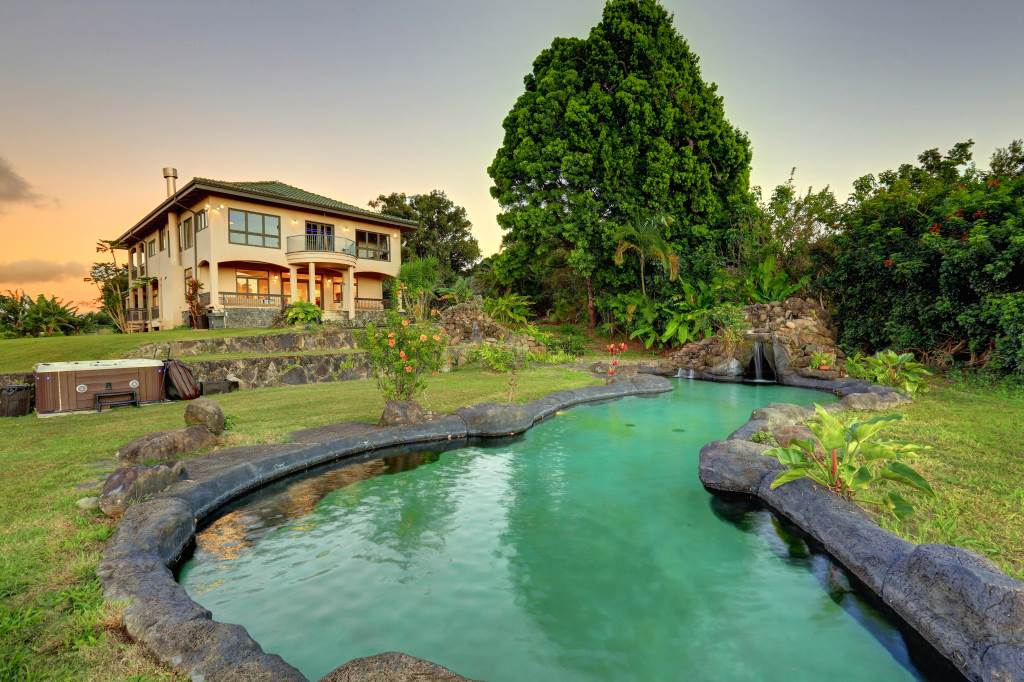 Maui now a look at maui s most luxurious swimming pools for Koi pool fleetwood