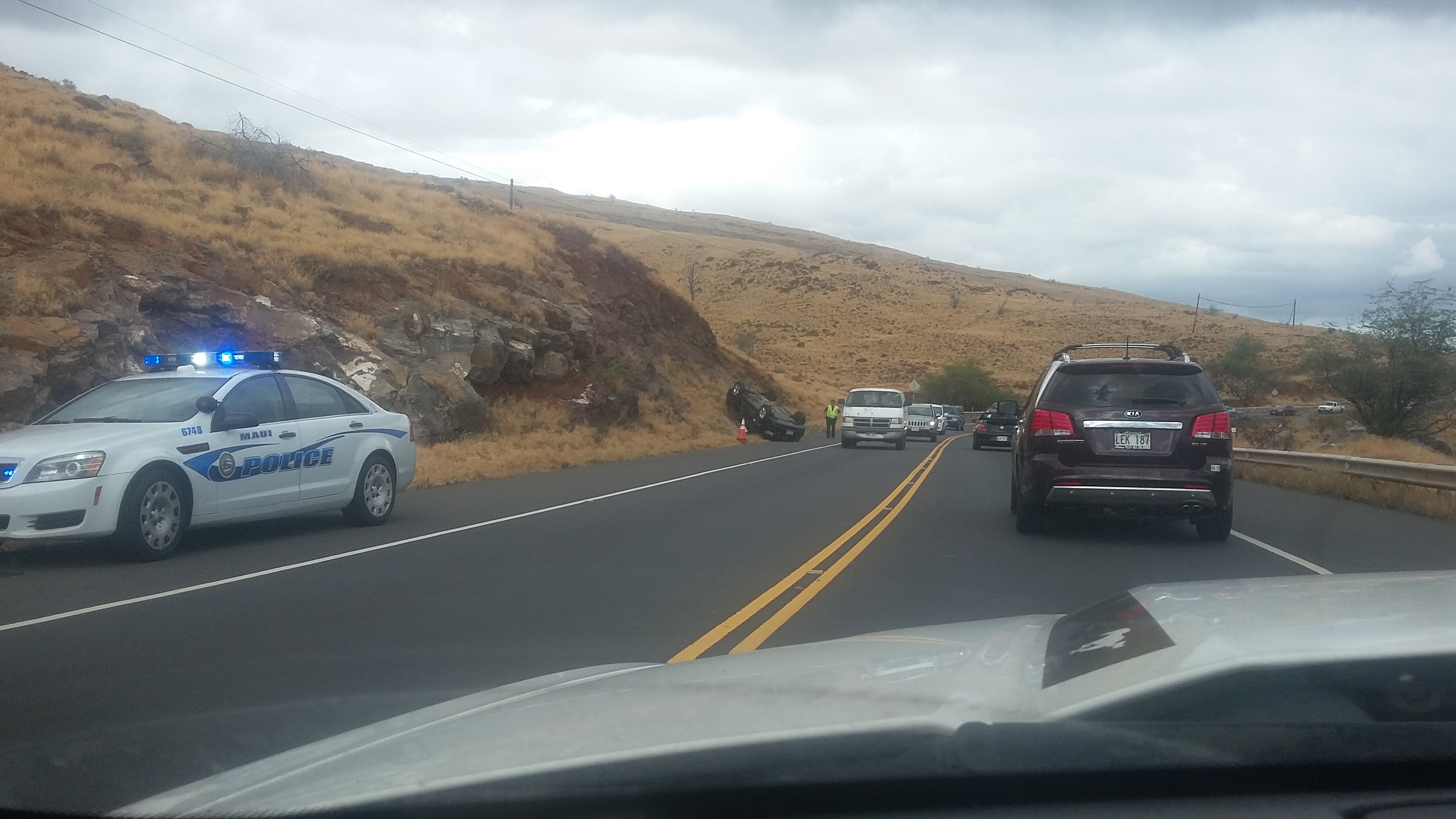 Maui Now : Traffic Alert: Car Accident Reported Near Scenic Lookout