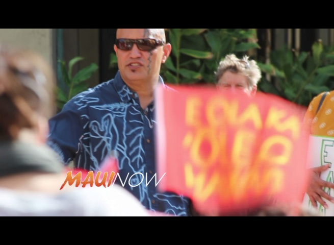 Demonstration: Hawaiian Man Who Refused to Speak English in Maui Court