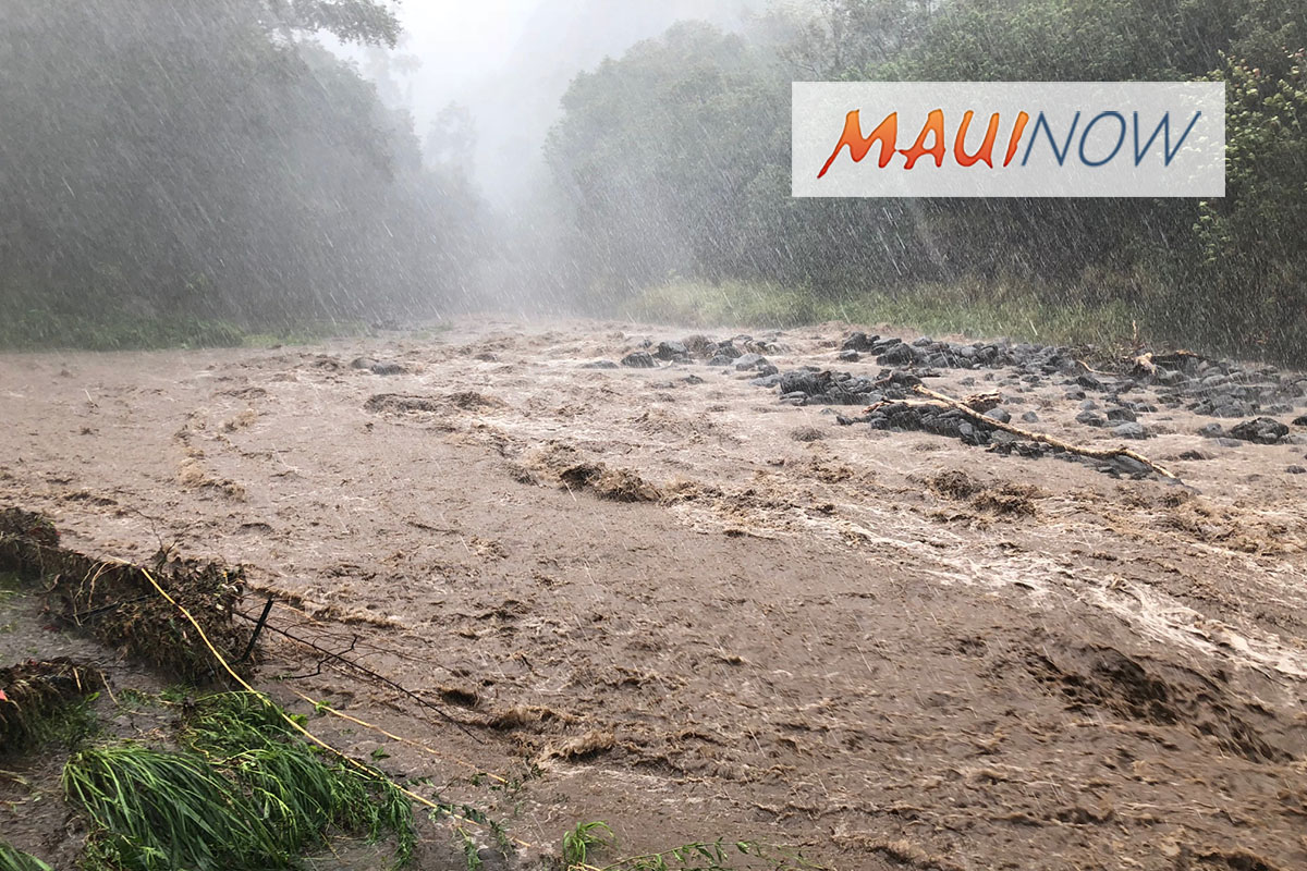 FLOOD UPDATES: Unstable Weather Across Hawai'i Through Monday