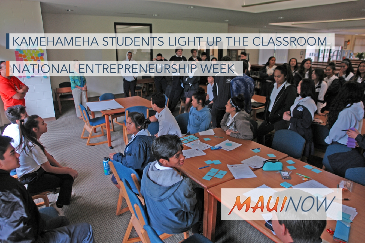 Kamehameha Students Light up the Classroom During National Entrepreneurship Week