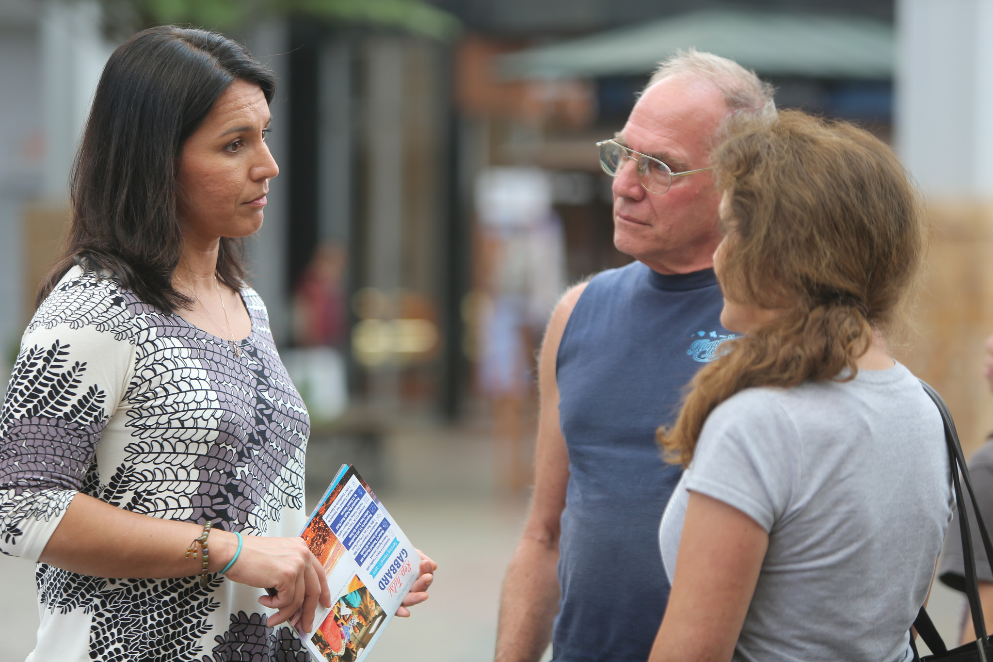 Tulsi Gabbard's Staff Holds Office Hours on Maui