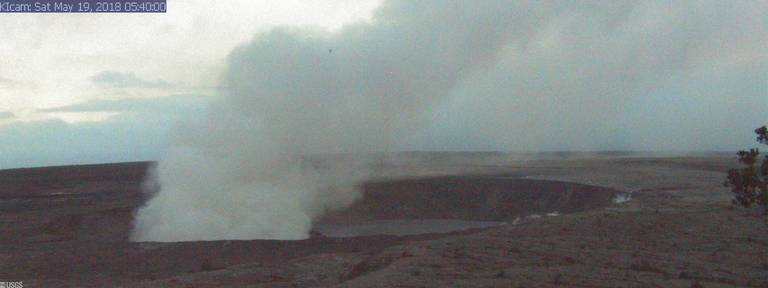 Explosive Eruption Sends Ash Cloud 7,000 ft High