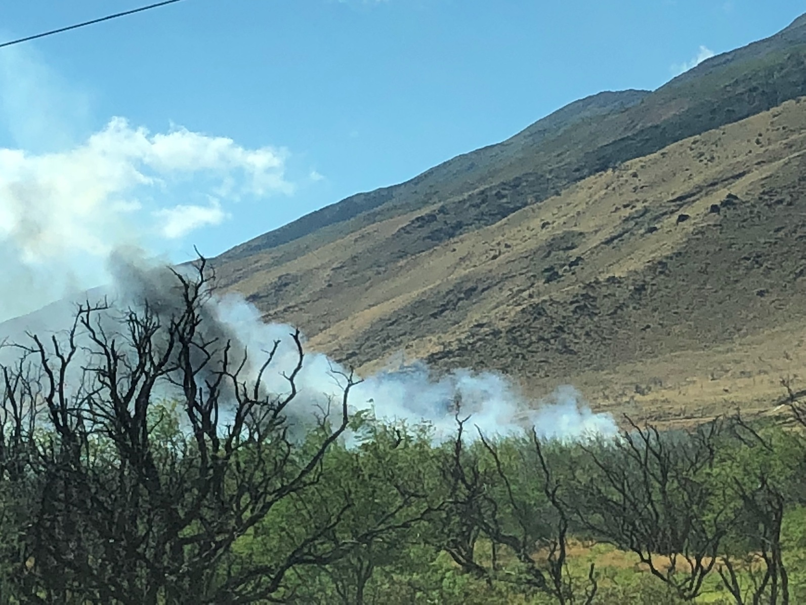 Ukumehame Brush Fire Slows Afternoon Commute