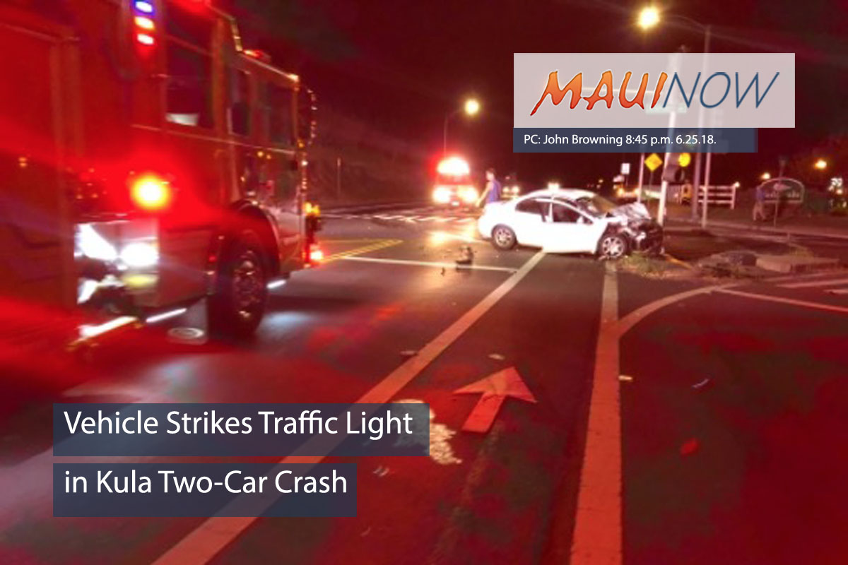 Vehicle Strikes Traffic Light in Kula Two-Car Crash