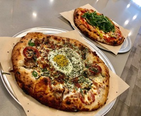 Surfside Pizza Kitchen Opens in Lāhainā