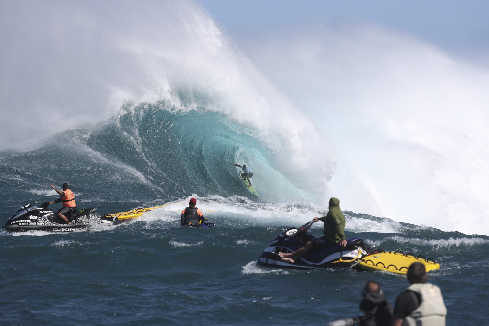 Billy Kemper Wins Jaws Challenge at Pe'ahi, Maui