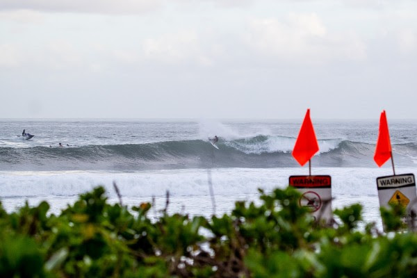 Hawaiian Pro Called ON at Haleiwa