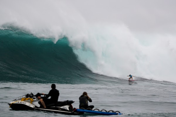Green Alert: 2018 JAWS Challenge at Pe'ahi, Maui
