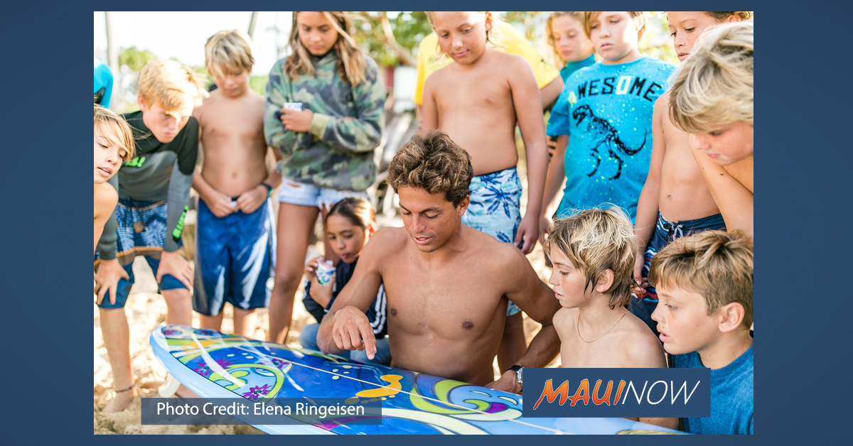 Pā'ia Youth Council Auctioning Custom Surfboard