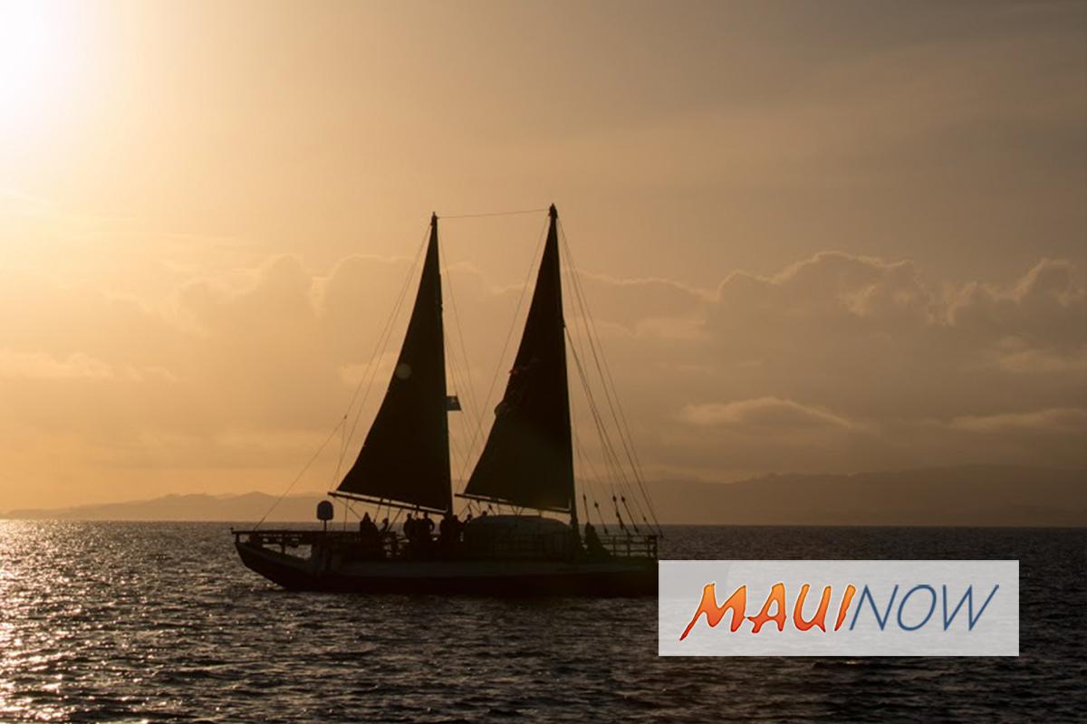 Hikianalia Returns to Hawaiʻi