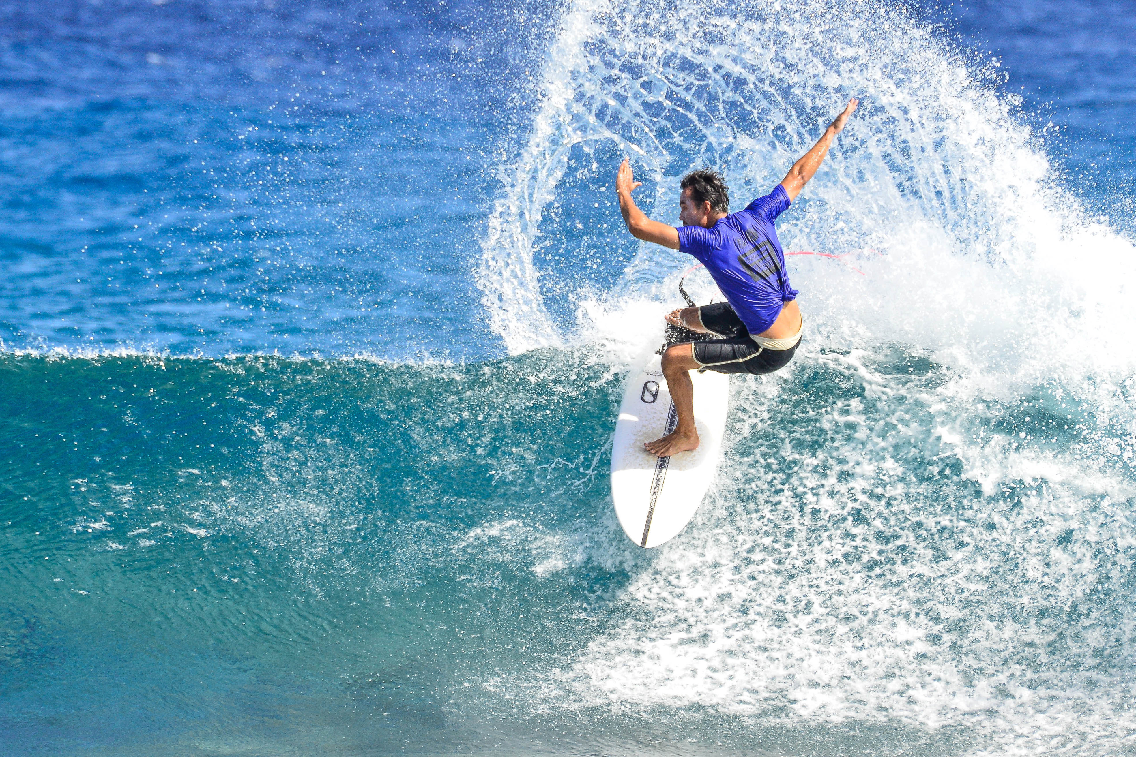 Maui Now Long Takes Title in 2009 Quicksilver in Memory of
