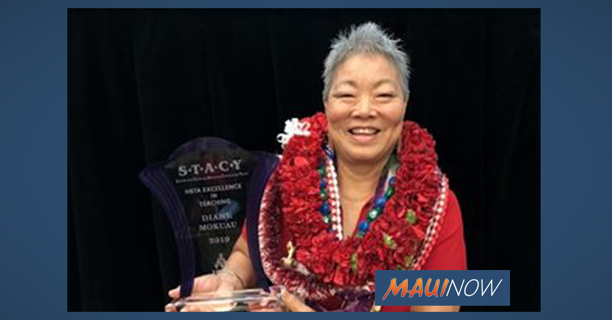 Moloka'i HS Librarian Named HSTA 2019 Educator of the Year