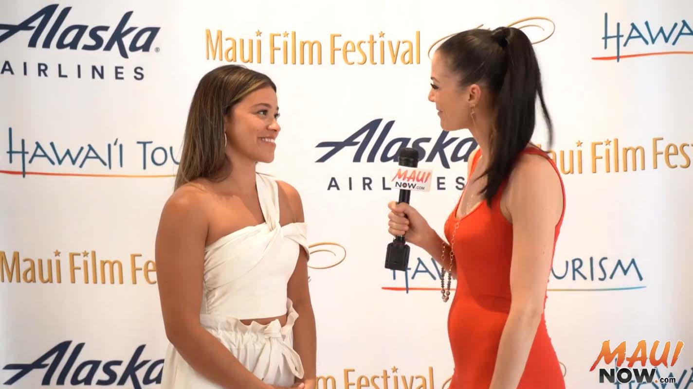Malika Interviews Gina Rodriguez, Navigator Award Recipient