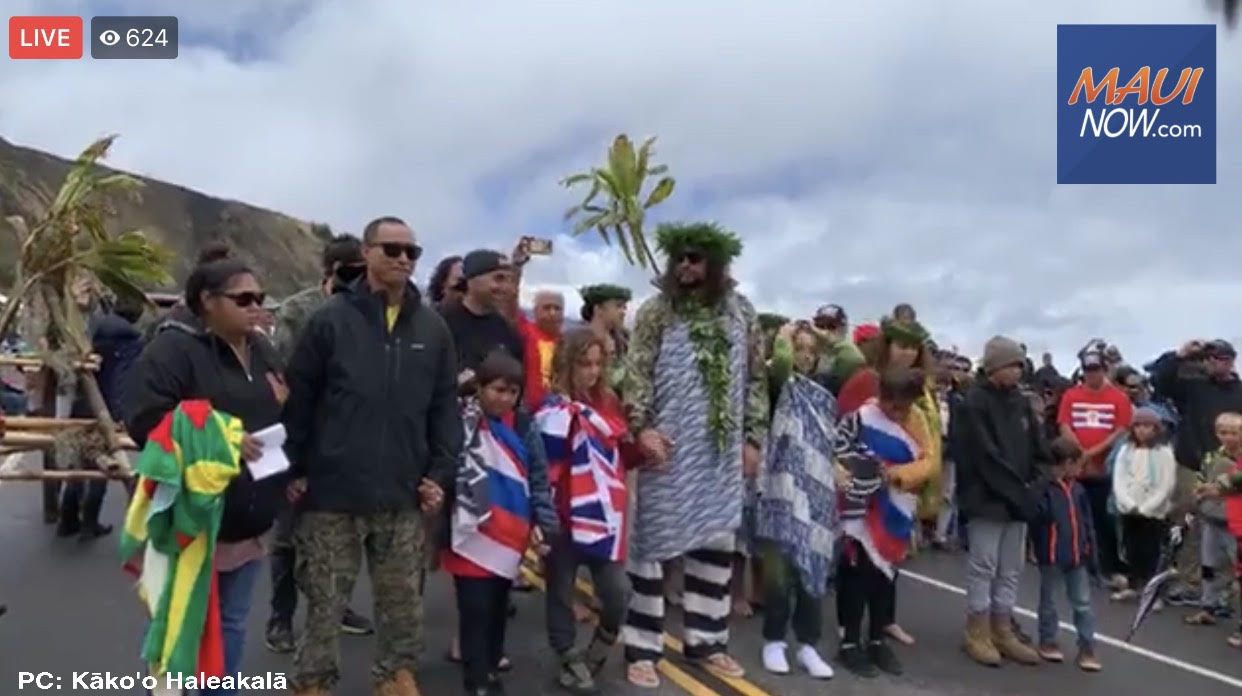 Lā Ho'iho'i Ea Observed at Maunakea, Jason Momoa Visits