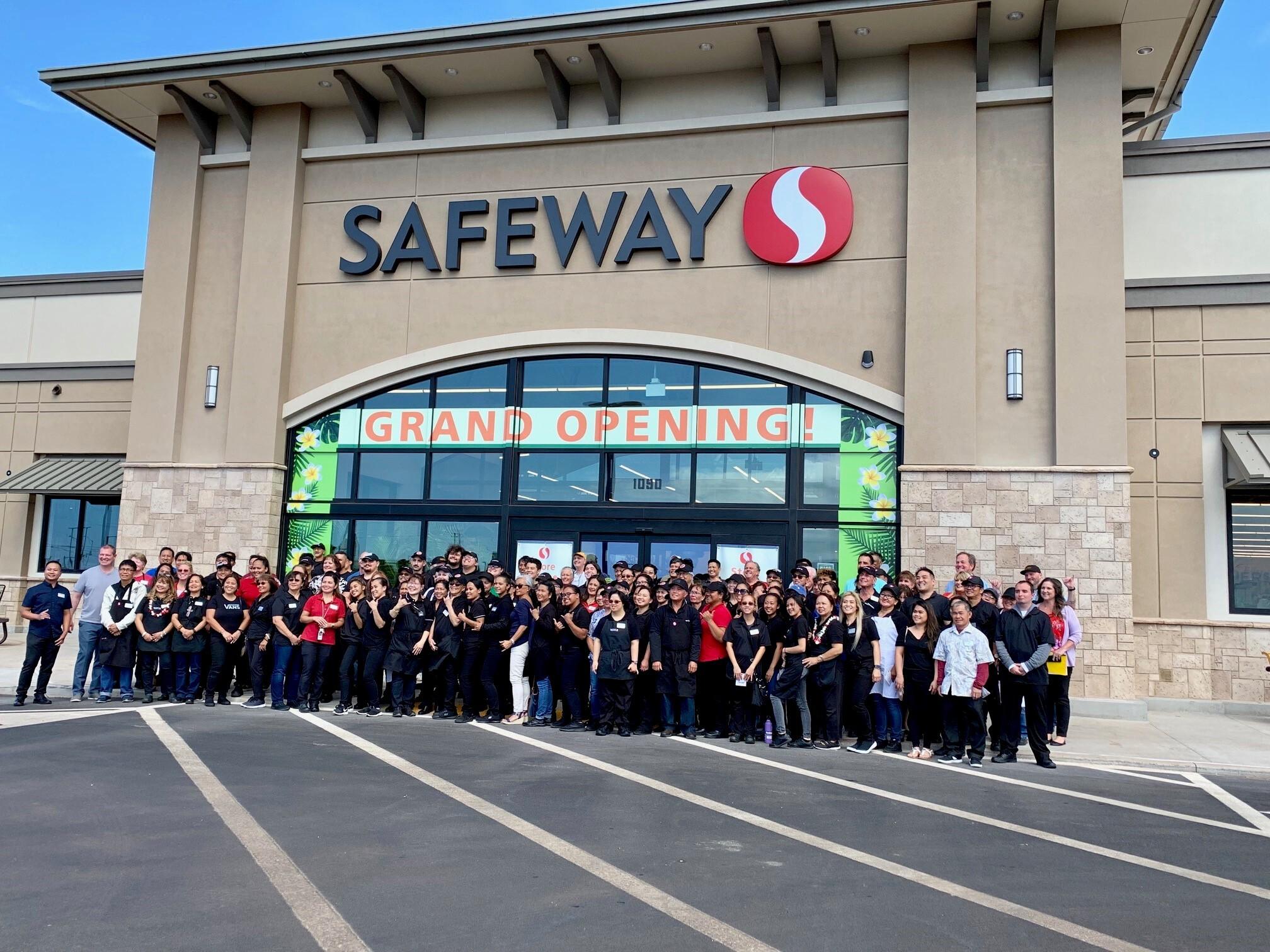 Hoʻokele Safeway Grand Opening