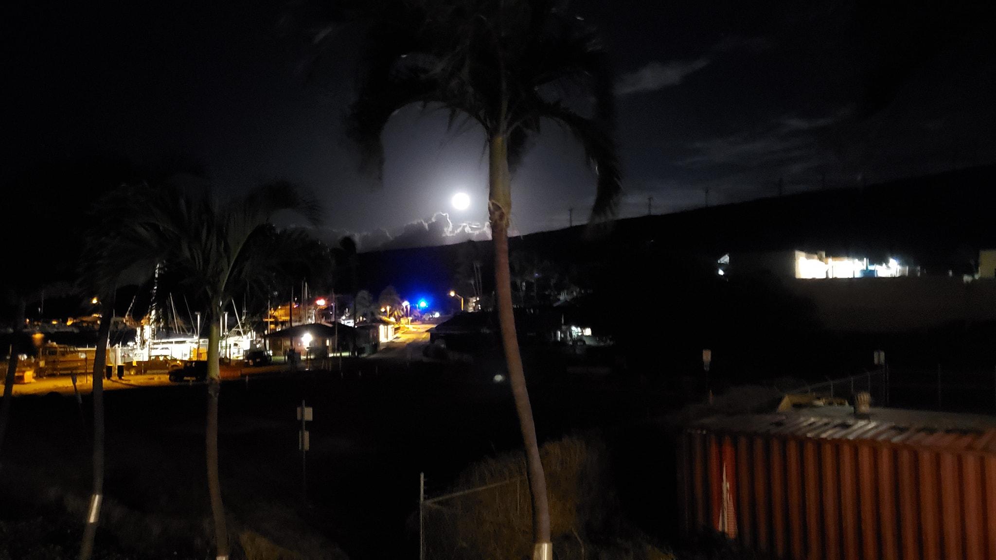 Road OPEN: Small Brush Fires Along Honoapiʻilani Hwy