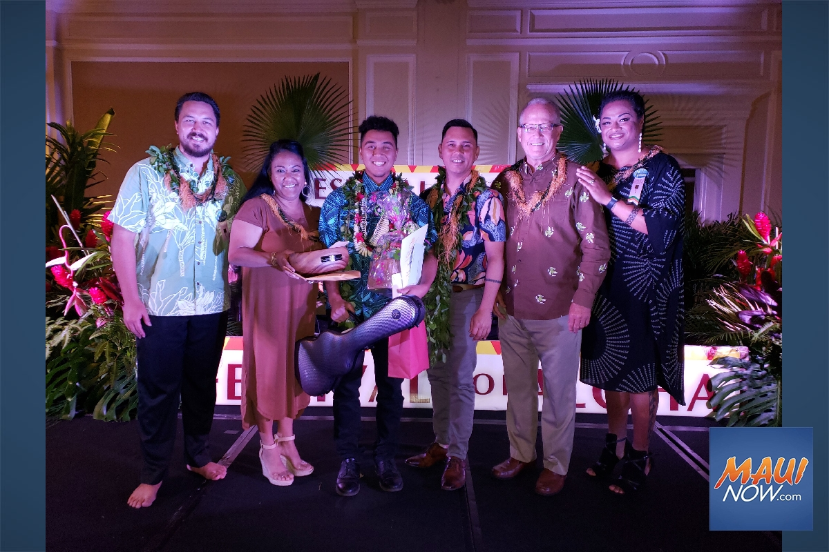 Richard Hoʻopiʻi Falsetto Contest Crowns Newest Champion