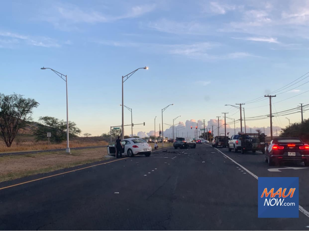 Traffic Accident in Māʻalaea