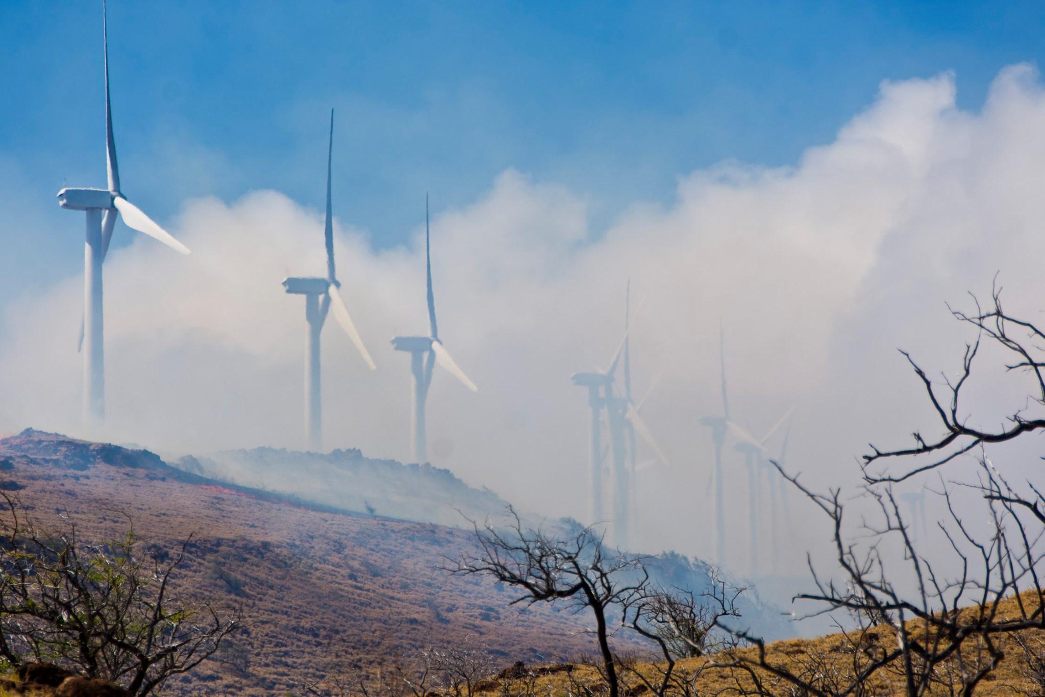 Mā'alaea Mauka Wildfire on Maui 70% Contained