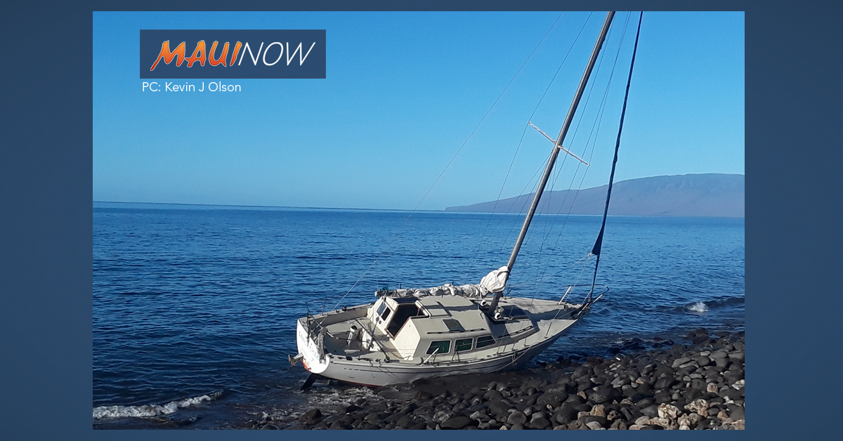State Working to Remove Grounded Sailboat in Launiupoko, Maui