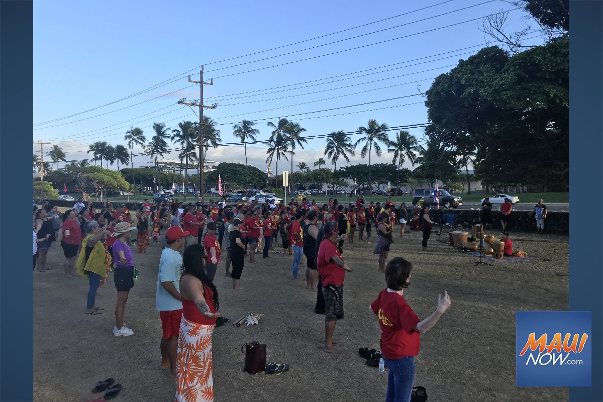 Hundreds Recognize 100th Day of Protest at Maunakea