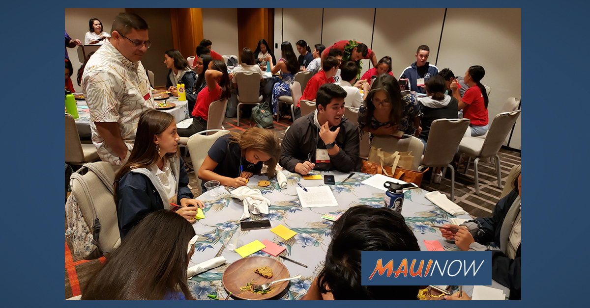 KS Maui Students Participate at Association of Hawaiian Civic Clubs Convention