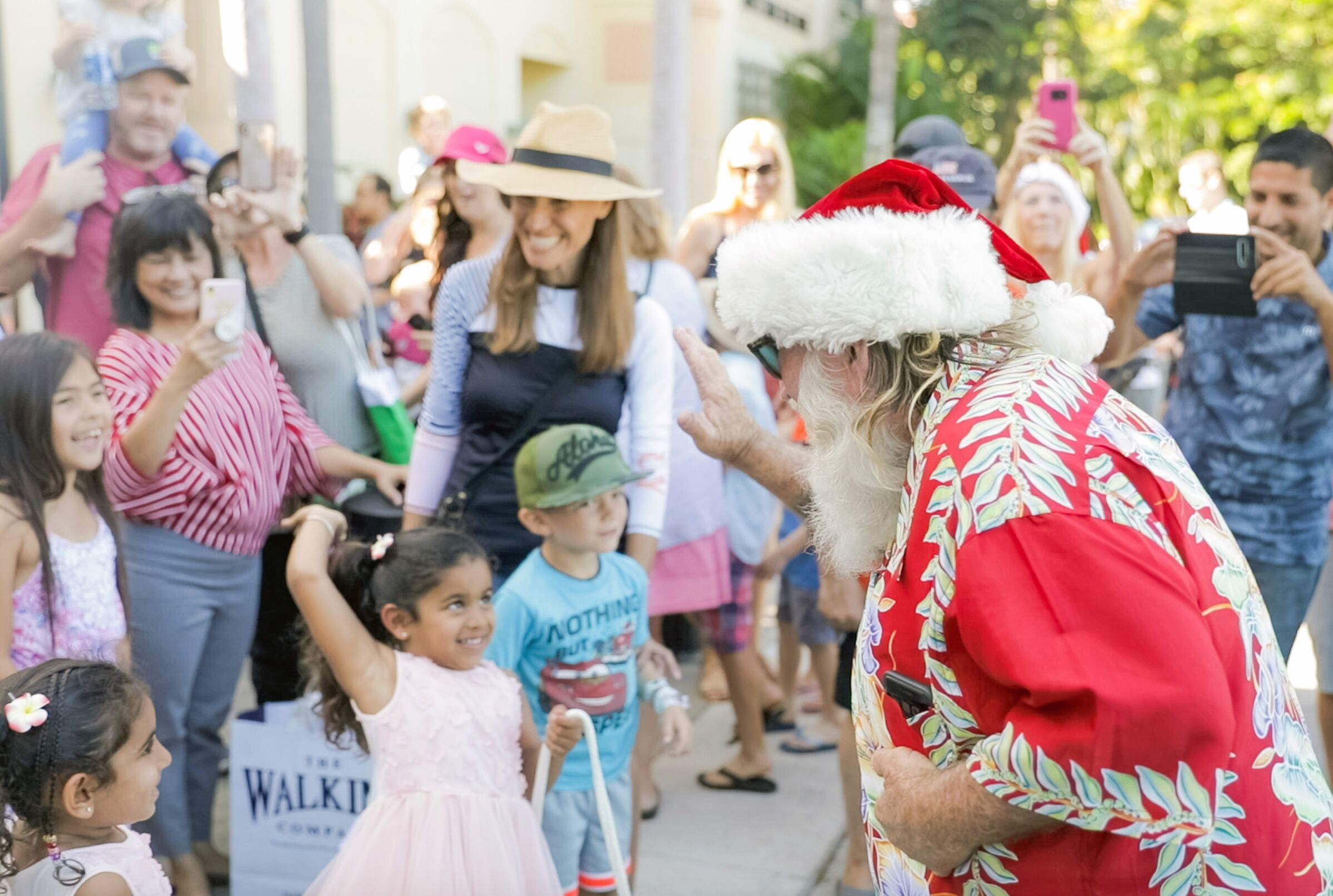 Ho Ho Ho! Santa Arrives at the Shops at Wailea