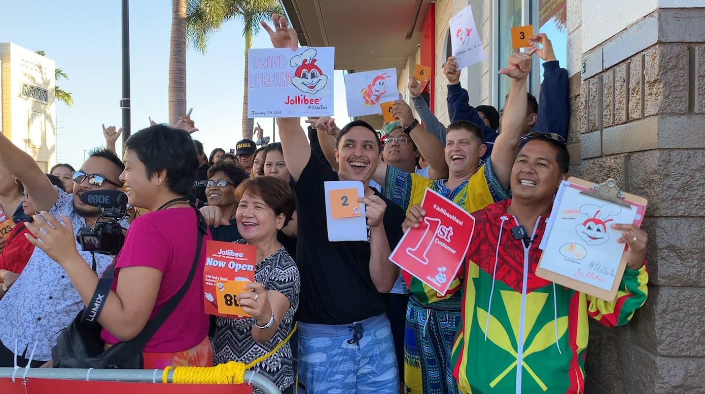 "Jollibee ""Home of the Famous Chickenjoy"" Opens on Maui with Fanfare"