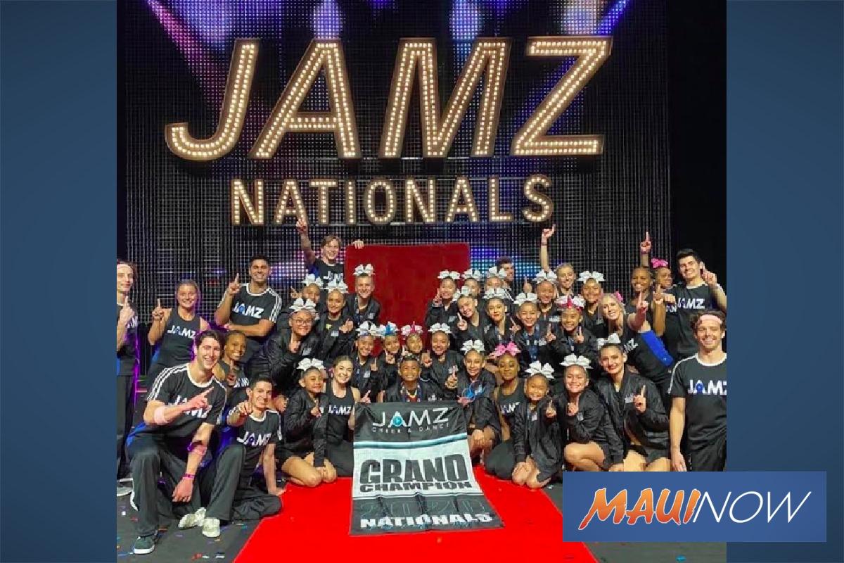 Maui Cheerleaders Take National Title