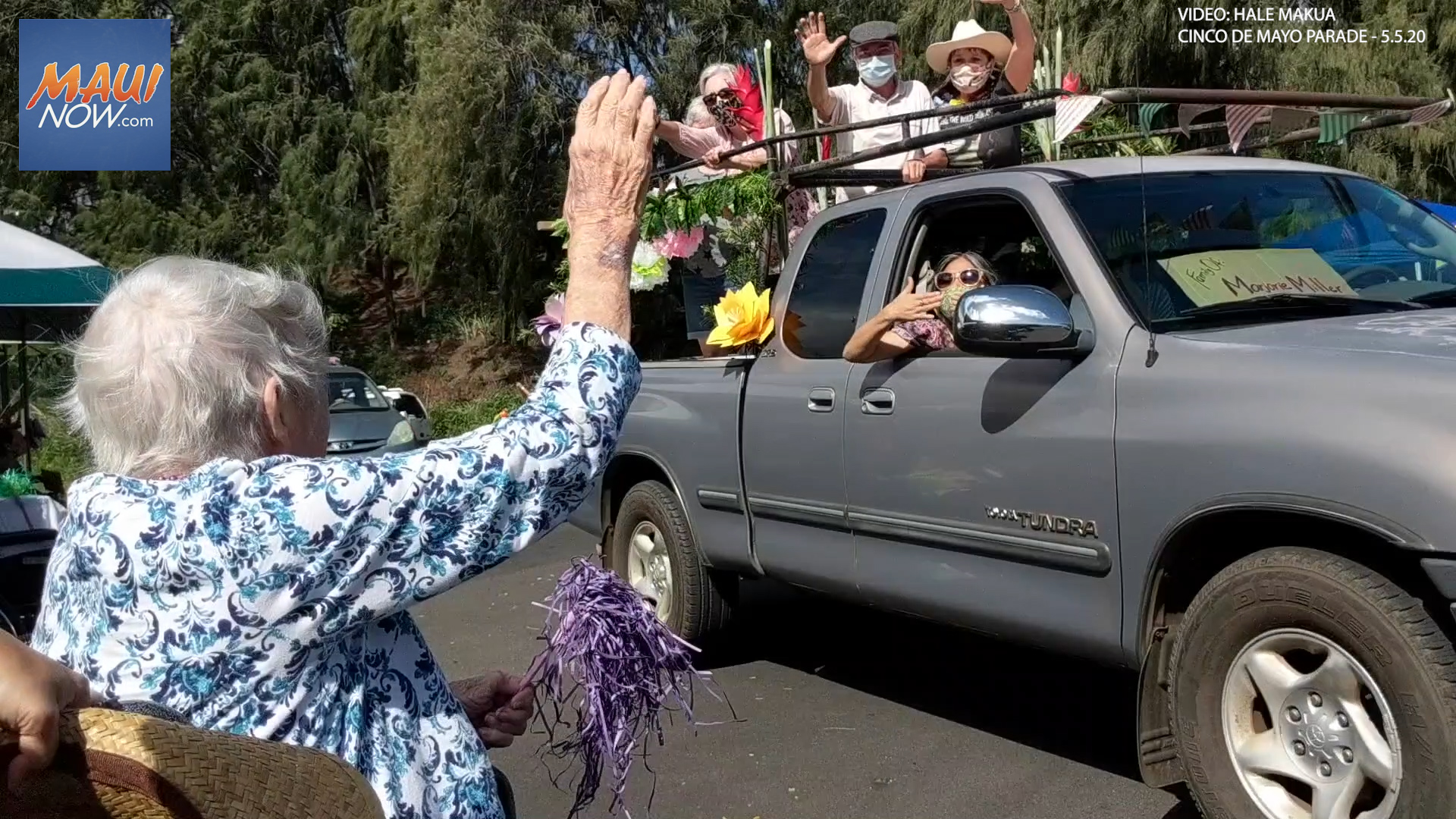 Cinco de Mayo Parade at Hale Makua Gives Residents a Chance to See Loved Ones