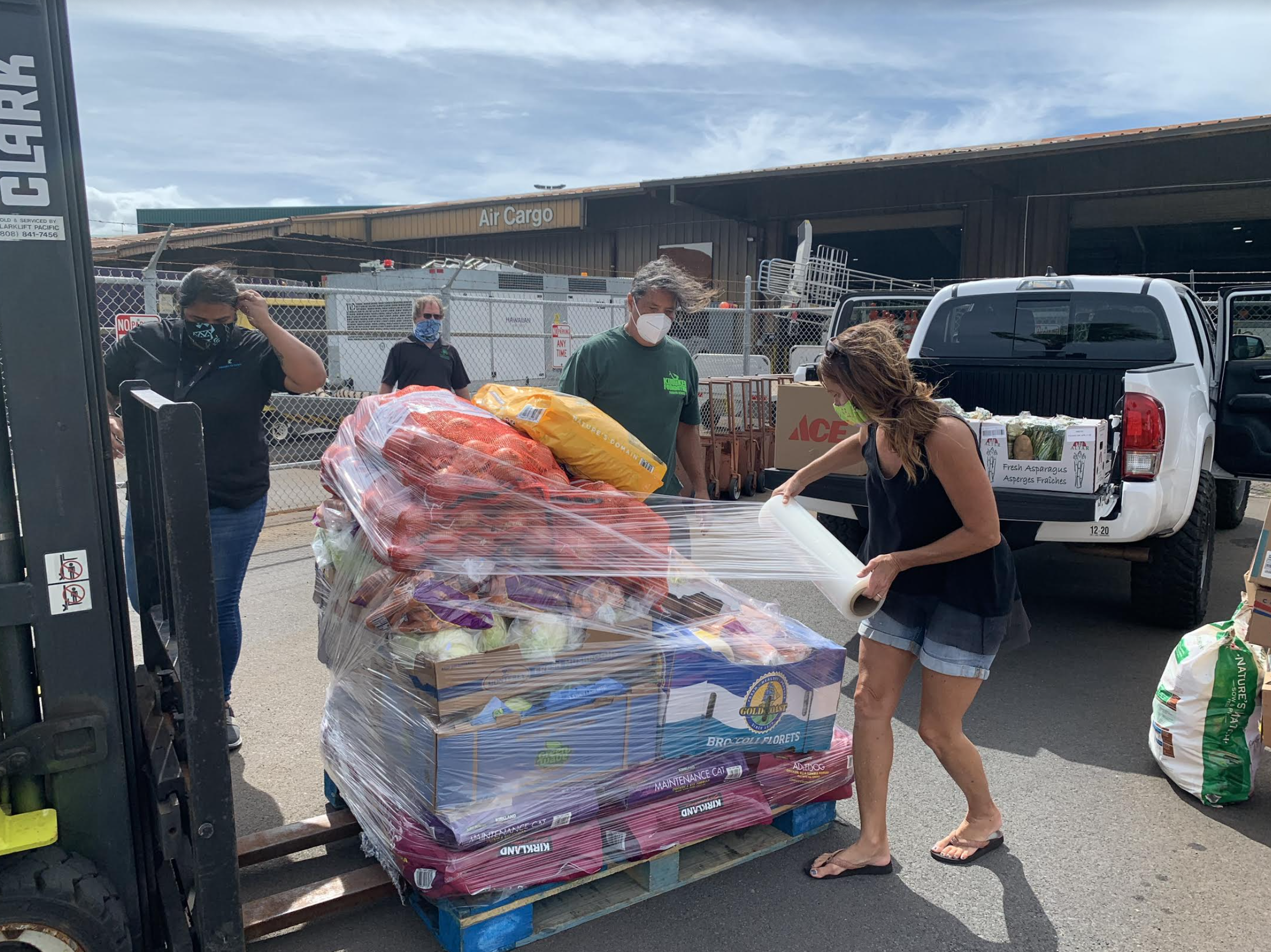 Pacific Cancer Foundation Sets Up Moloka'i General Food Pantry