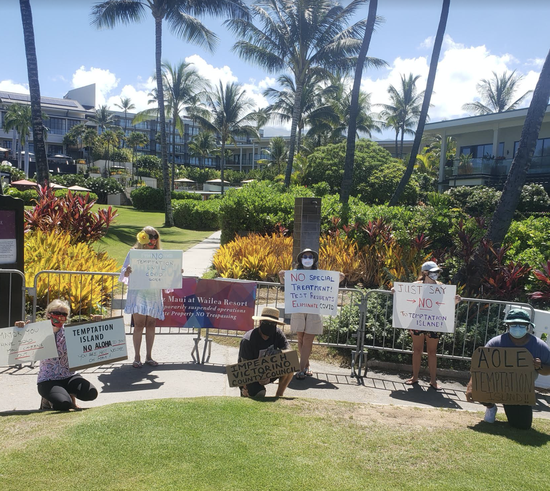 "Small Demonstration Against Temptation Island Filming Urges Government Leaders to ""Protect Hawai'i"""