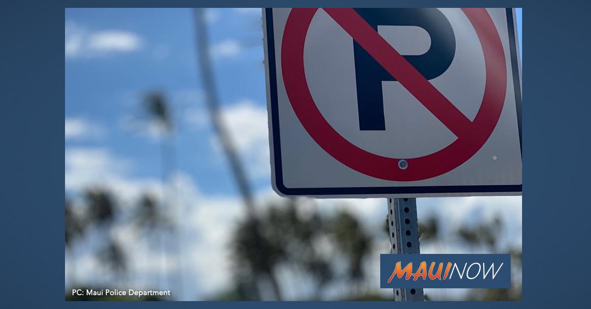 $35 Fine for Parking Between Baldwin Beach and Lower Pā'ia Park