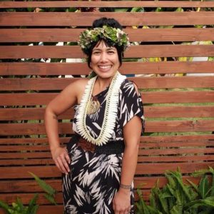 Maui Designer Wailani Artates Wins 4th Hōkū Award For Album Cover