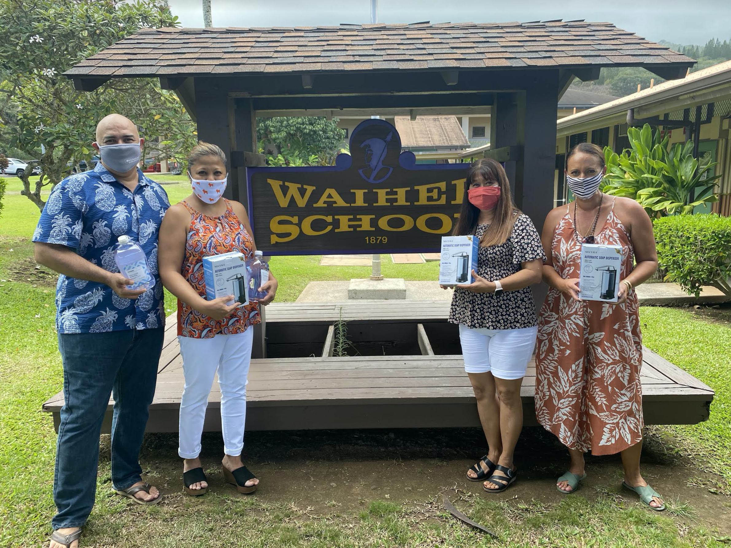 Hawai'i REALTORS® Donate PPE and Cleaning Supplies to Maui Schools