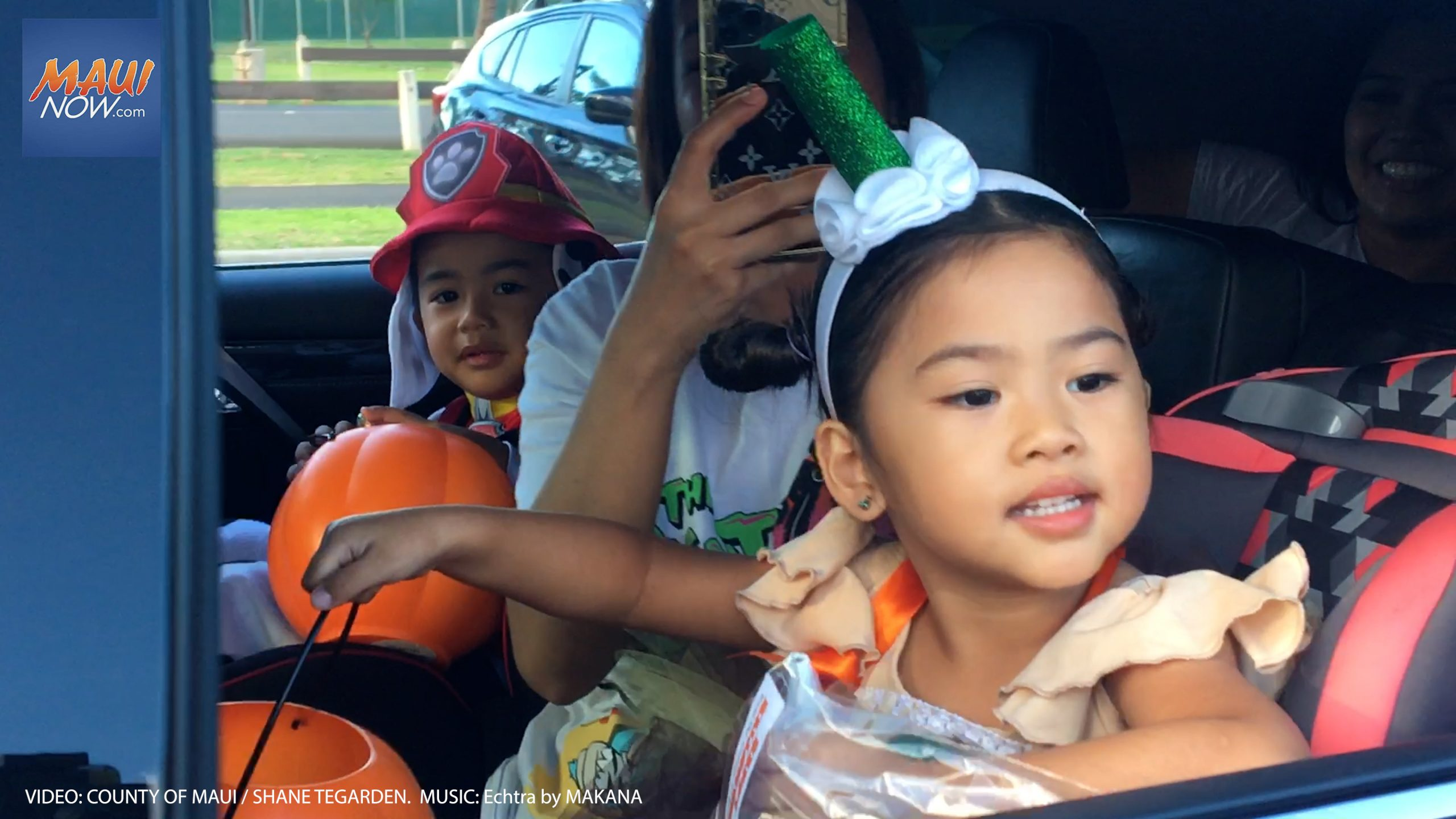 Maui Halloween Drive-Through Draws 2,168 Trick-Or-Treaters