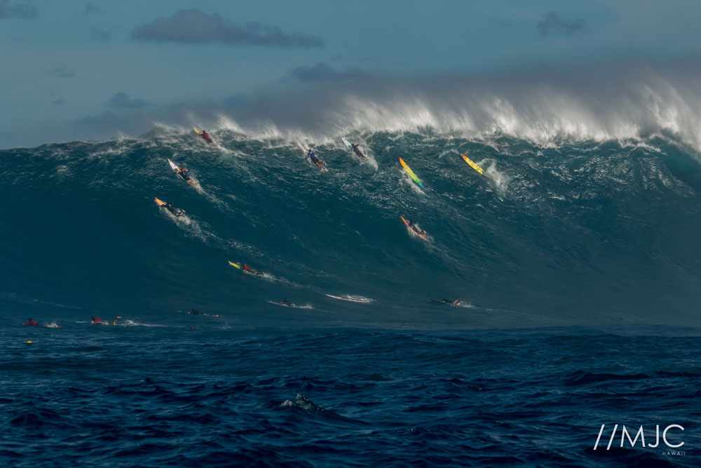 Photo Gallery: Maui Surfers Kai Lenny, Billy Kemper and Albee Layer Enjoy Big Swell Off Peʻahi