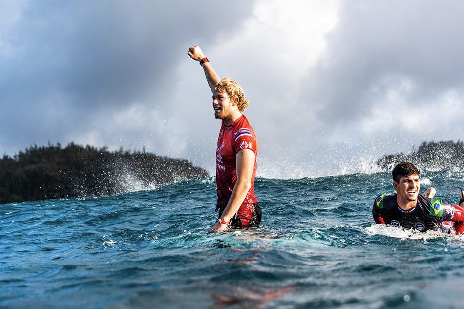 Tyler Wright Wins Maui Pro; John John Florence Wins Pipe Masters