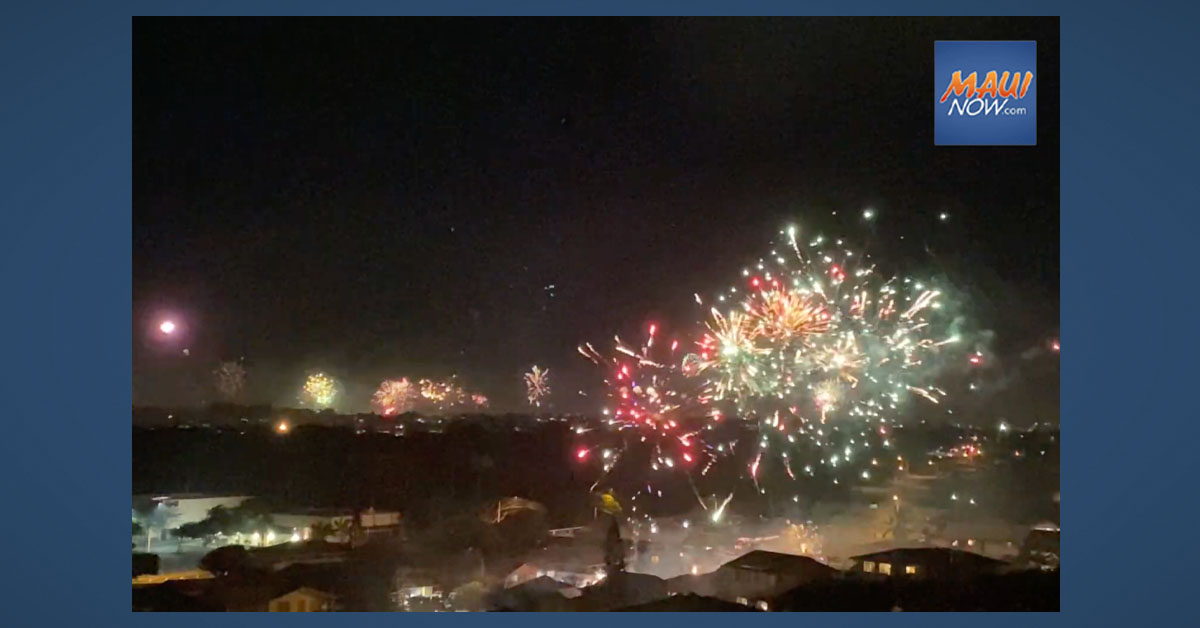 VIDEO: Fireworks on Maui To Ring in 2021