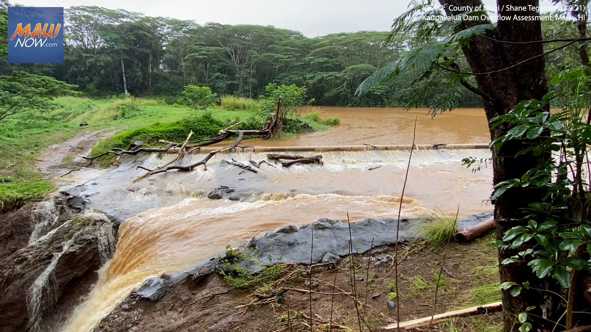 """Maui Mayor Assesses Haʻikū Damage in Daylight: Reminded of """"Sheer Power of Fast-Moving Water"""""""