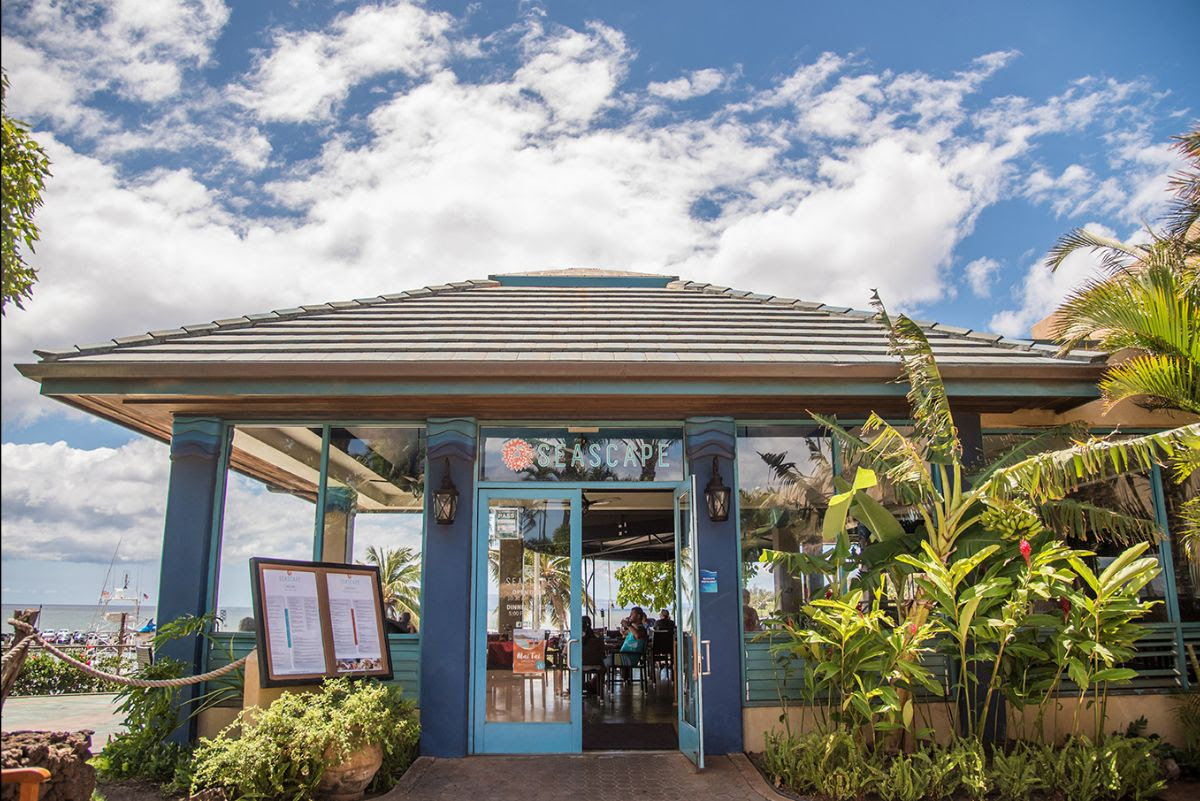 Maui Ocean Center Re-Opens Seascape Restaurant and Expands Park Hours