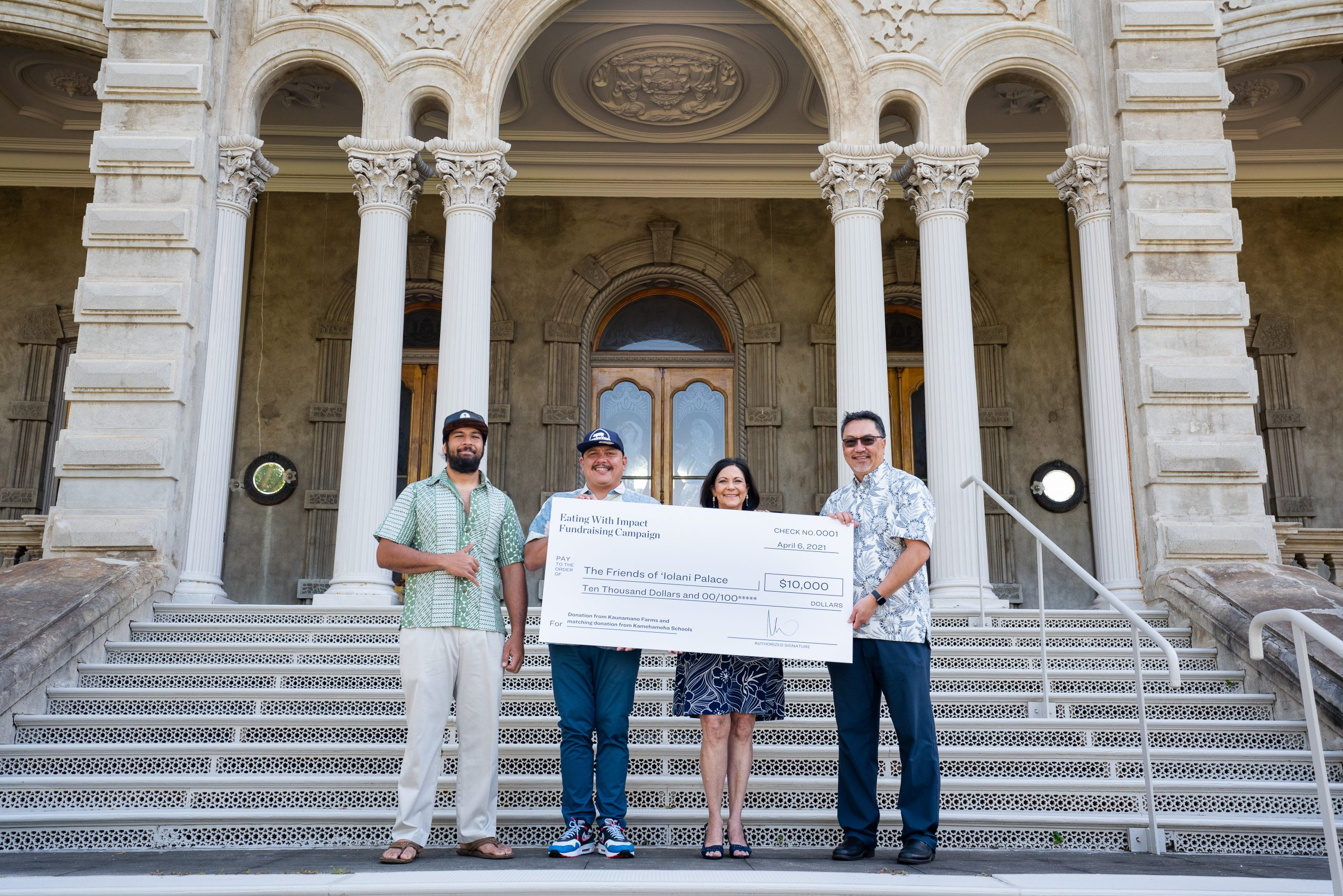 Kamehameha Schools & Kaunamano Farm Donate Combined $10,000 to 'Iolani Palace